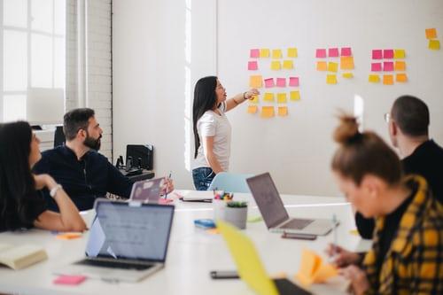 formazione-per-il-tuo-team-di-lavoro-a-gruppi-mirati-oppure-all'intera-azienda