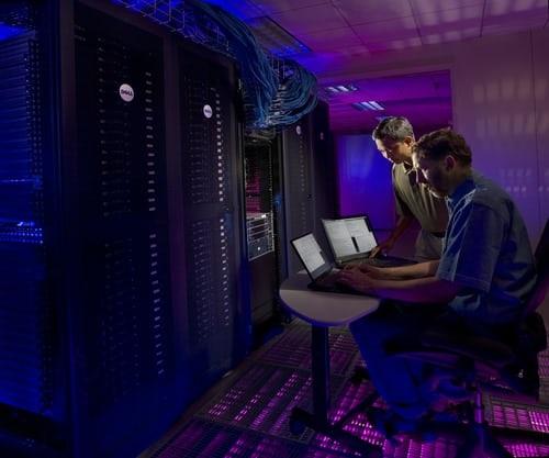 Con-il-nostro-servizio-Cloud-Server-potrai-utilizzare-una-infrastruttura-cloud-privata-composta-da-1-solo-server-o-a-un-mix-di-server-che-compongono-una-VLAN