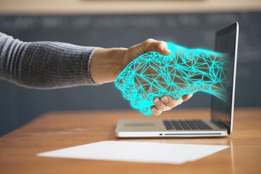 Connettori e system integration per sincronizzare e integrare i dati da diversi software. SugarCRM utilizza get response come strumento di marketing automation